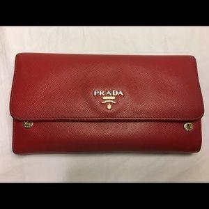 PRADA (Saffiano) purse 👛
